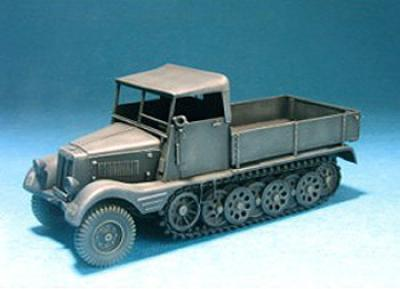 1:35  SD.KFZ 11/1 W/ Wood CAB Conversion
