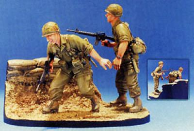1:35  101 Airborne 1965-1966 2 Figures W/ Base
