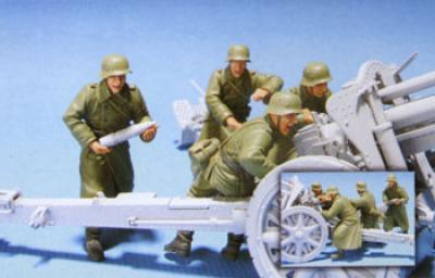 1:35  GER.Eastern Front GH18 GunCrew(2) 4 Figures