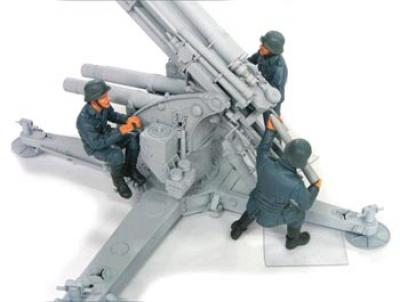 1:35  88MM FALK Crew Set 2 - 3 Figures