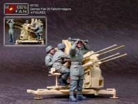 1/35  	  German Fallschirmjagers Operating Flak 38 - 4 Figures